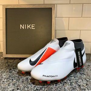 Nike Phantom VSN Academy DF FG/MG Soccer Cleats